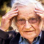 """Noam Chomsky """"La gente ya no cree en los hechos"""""""
